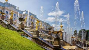 195-fontany-dvorec-petergof-oboi-1366x768